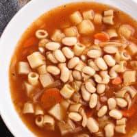Slow Cooker Vegetarian Minestrone Soup