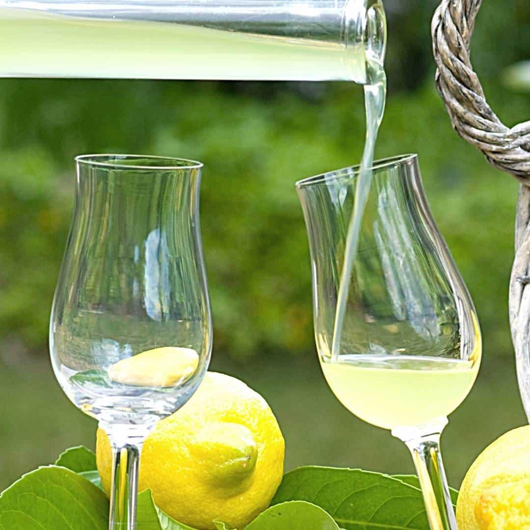 How to Make Homemade Limoncello